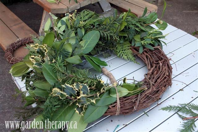 how to make a fresh wreath