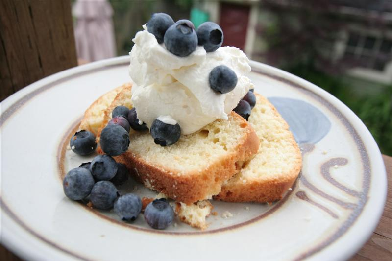 Blueberries And Lemon Poundcake