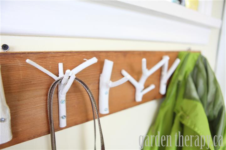 http://gardentherapy.ca/wp-content/uploads/2012/02/Branches-made-into-coat-rack-Small.jpg