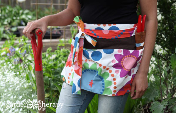 DIY Garden Apron Sewing Pattern 1