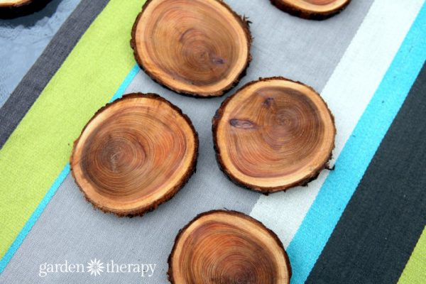 12 Country-Themed Craft Ideas to Make & Sell| DIY Ideas, Craft Ideas, Crafts to Make and Sell, Crafts for the Home, Country Craft ideas, Country Crafts to Make and Sell, DIY Crafts to Sell