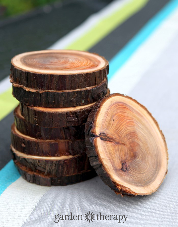 how to make wood slice coasters