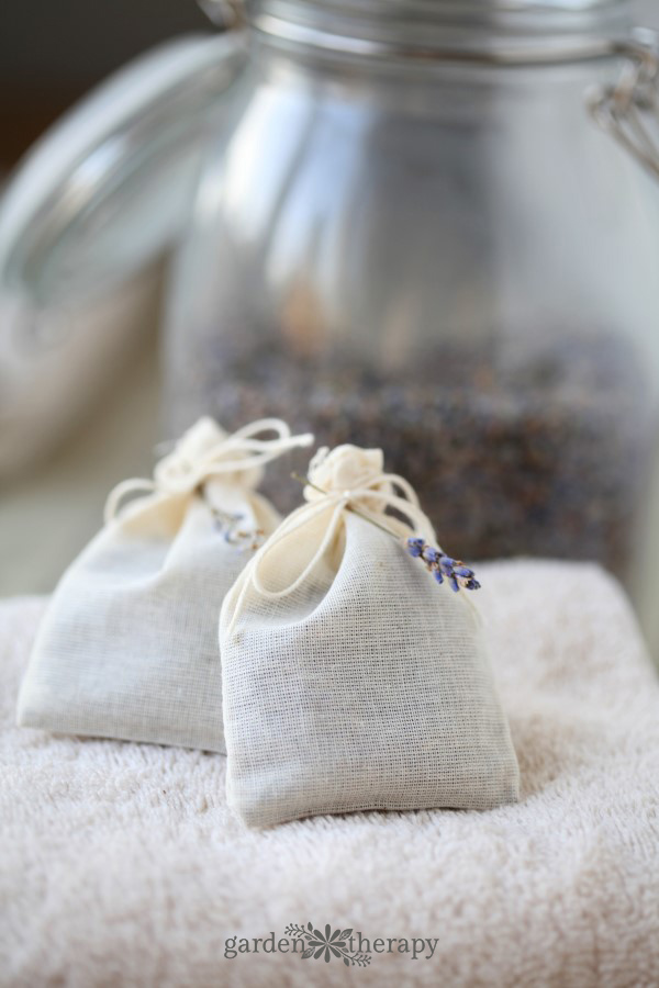 How to make Natural Laundry Fresheners with Lavender Dryer Bags