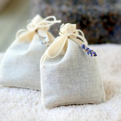 Naturally Freshen Laundry with Homemade Lavender Dryer Bags