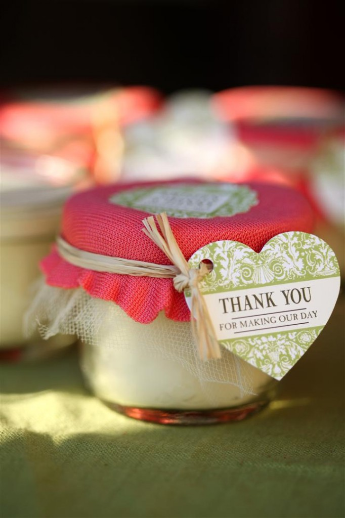Wedding Favor Candles and many other mason jar crafts