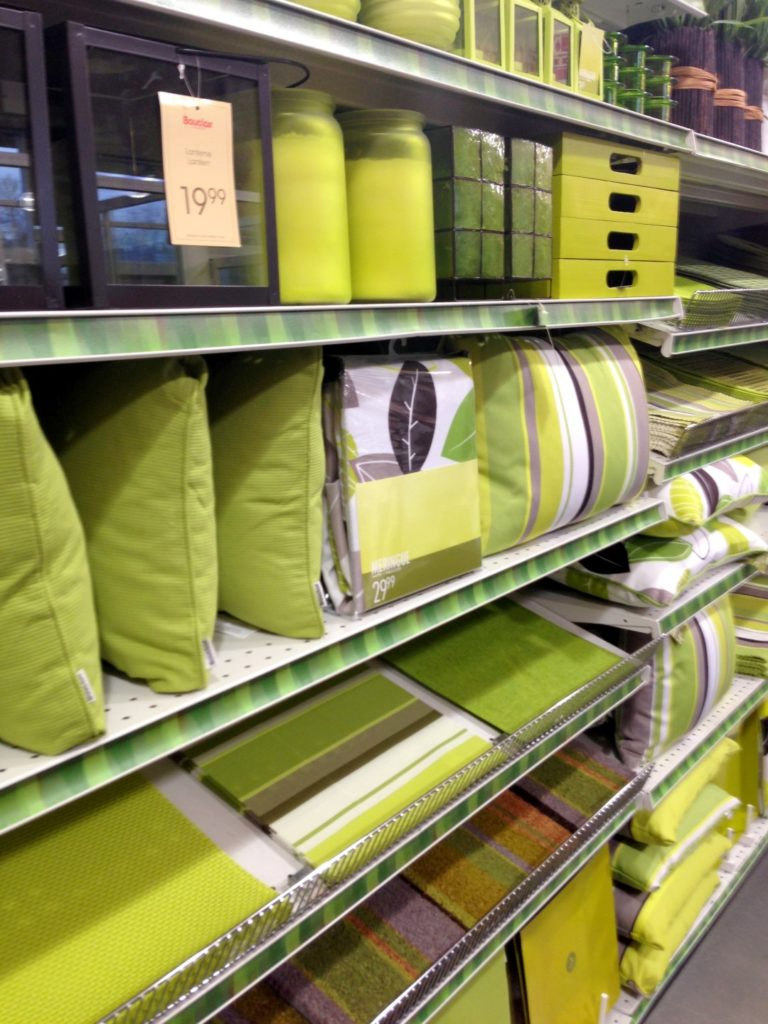 Bouclair Home Outdoor colour story - green