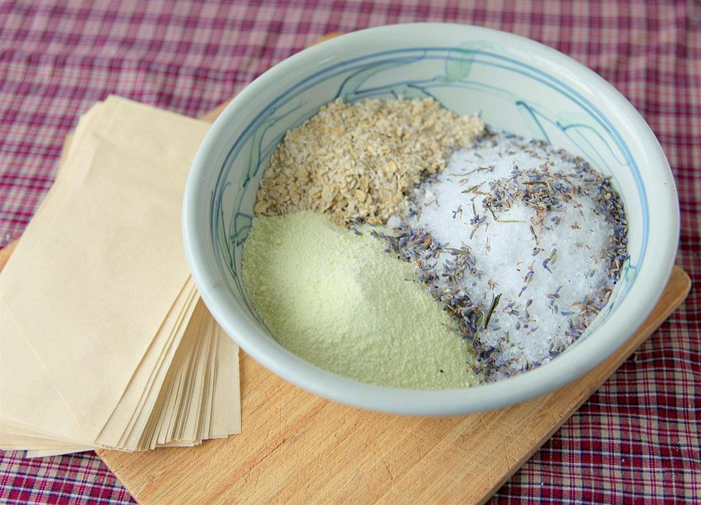 Lavender Oatmeal Bath Mix