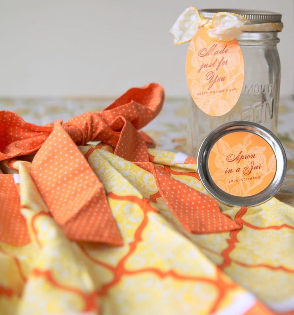 Mothers day Gift Idea Apron in a Jar and many other mason jar crafts
