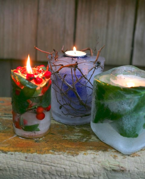 Freeze natural elements into these ice candles for a gorgeous display