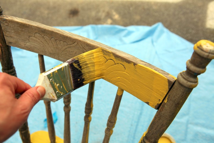 Painting Chair Planter Project