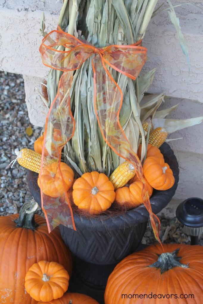 corn-pumpkin-topiary