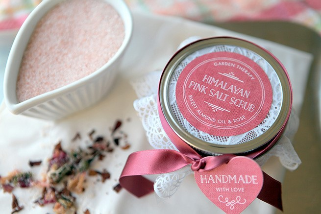 Himalayan Pink Salt Scrub and many more mason jar crafts