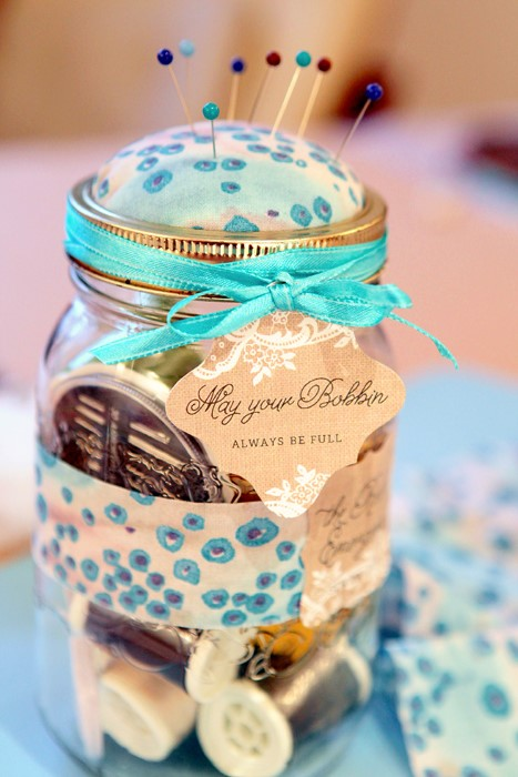 Mason Jar Sewing Kit DIY and many more mason jar crafts