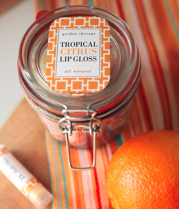 How to make all natural lip gloss - this has essential oils that make it smell like the tropics!