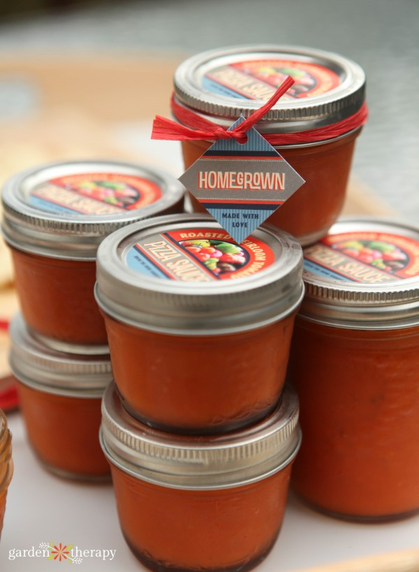homemade pizza sauce packaged up to give away