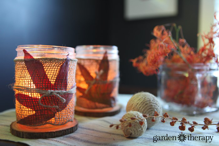 Simple Thanksgiving Table Decor Craft Project With Fall Leaves And Burlap