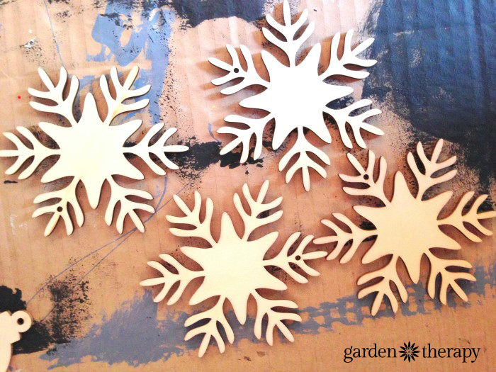 Chalkboard Paint Wood Snowflake Ornaments DIY Project 1