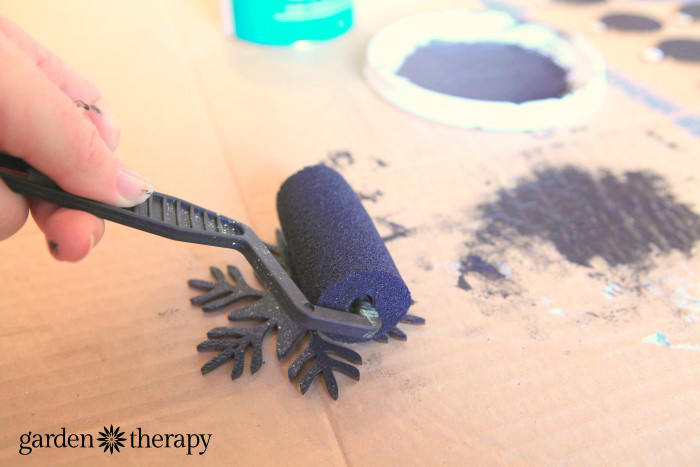 Chalkboard Paint Wood Snowflake Ornaments DIY Project 3