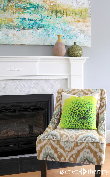 This printed pillow is made from flower photography - see how it's done!