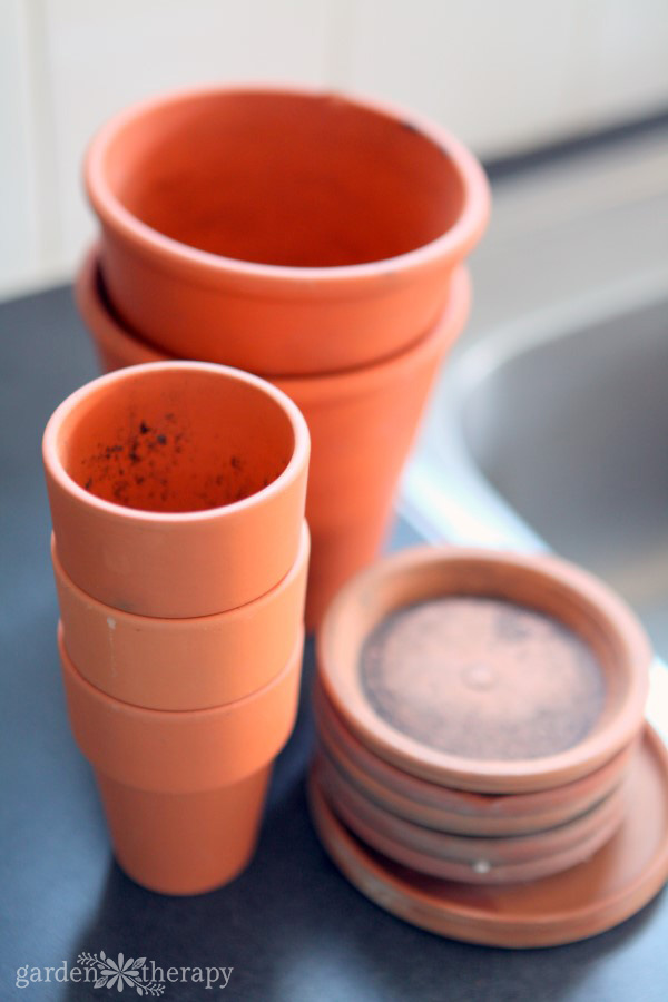 Terracotta pots to wash