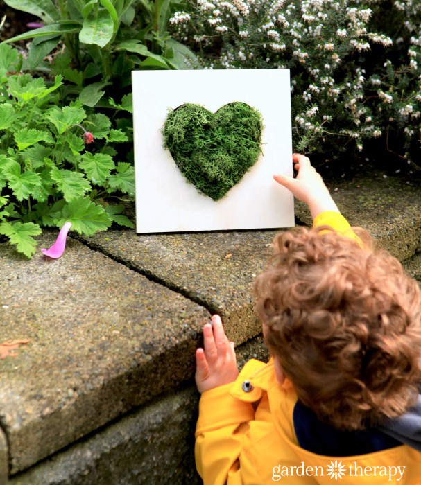 Mother's Day gift idea for garden-loving moms - Moss Heart Wall Art