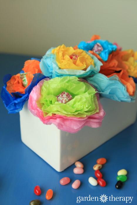 Plant magic jellybeans and grow lollipop flowers!