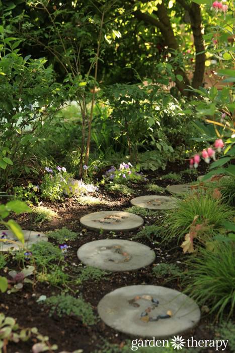 Garden Therapy Back Yard Play Garden Tour (16)