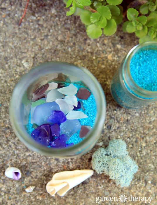 How to Make Beach Mason Jar Solar Lights