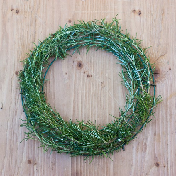 how to make a gorgeous fresh herb wreath step 5 garden therapy