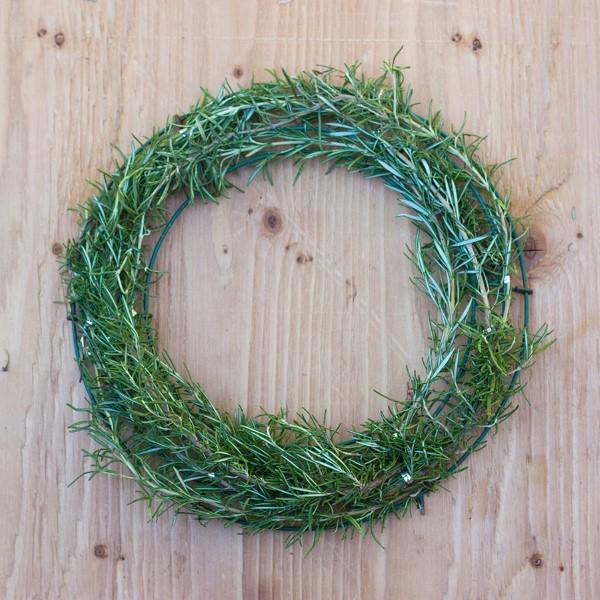 How to Make a Gorgeous Fresh Herb Wreath Step (5)