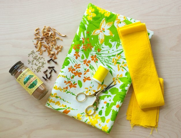 DIY Herb Scented Hot Pad for Tea Sewing Instructions Step (1)