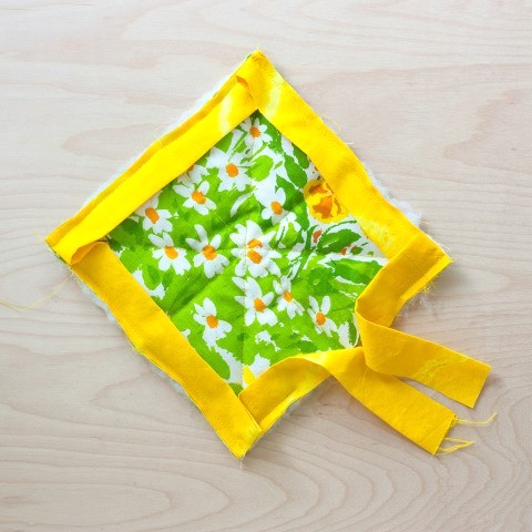 DIY Herb Scented Hot Pad for Tea Sewing Instructions Step (12)