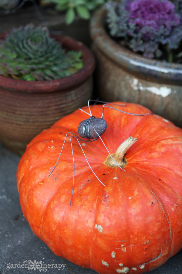halloween-rock-spider-diy