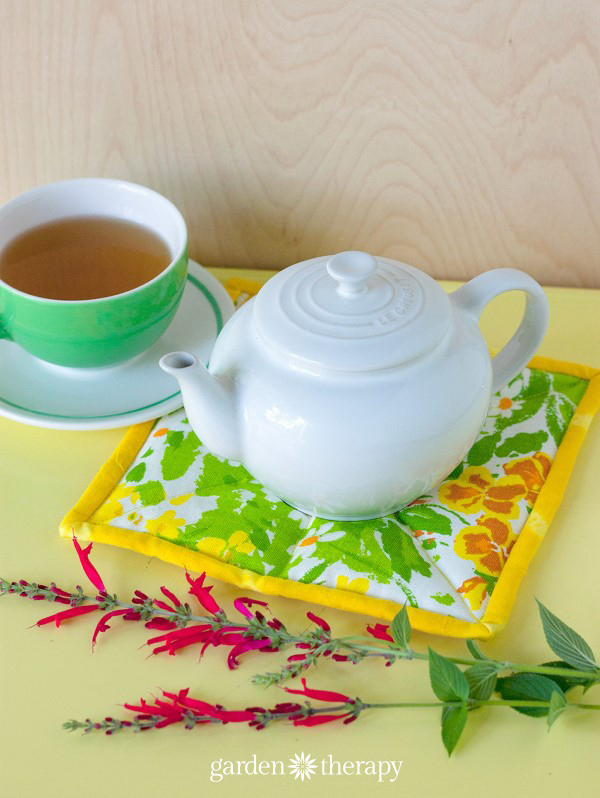 Make this herb scented hot pad for a great gift idea