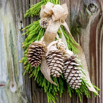Simple & Elegant Natural Pinecone Swag