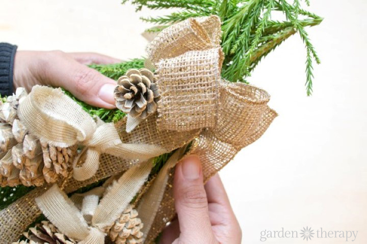 Pinecone swag - Add Bow