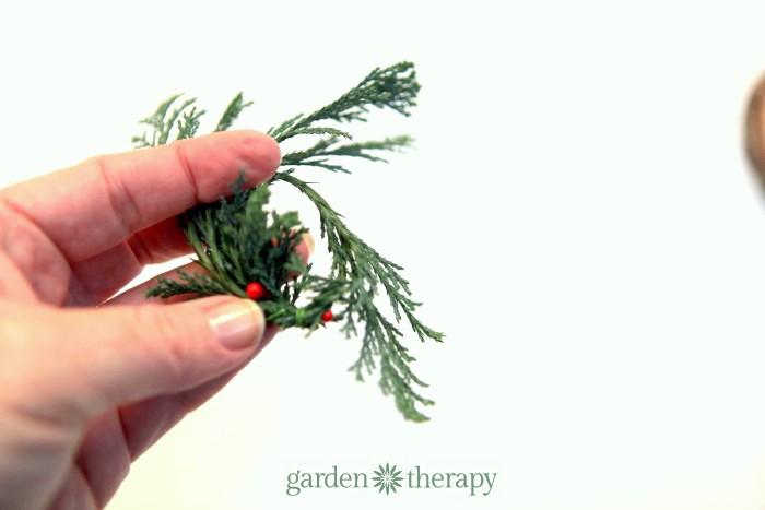 how to make a real miniature wreath step (2)