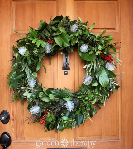 Evergreen Wreath Easy plus more Super Simple Holiday Decorating Ideas