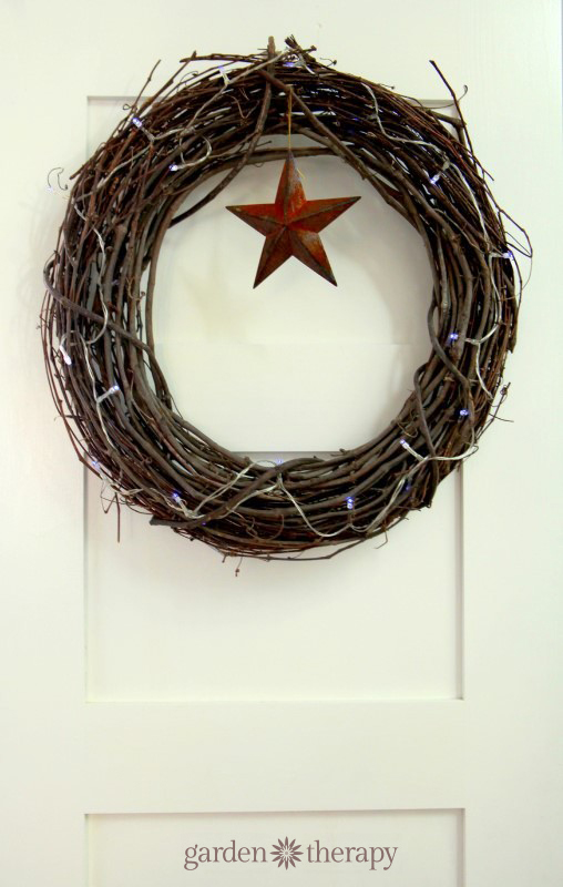 easy grapevine and string lights wreath