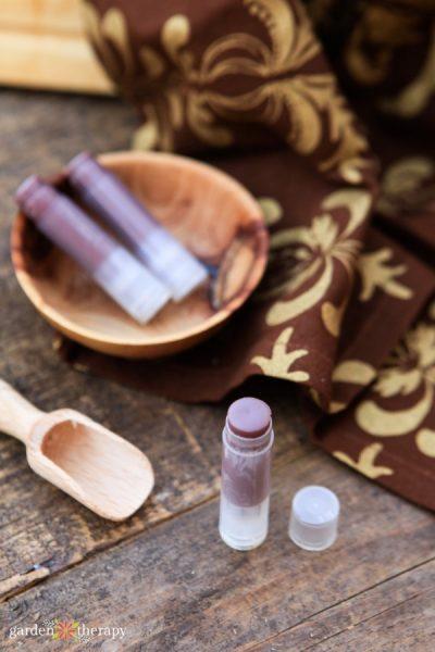 How to Make Chai Lip Balm