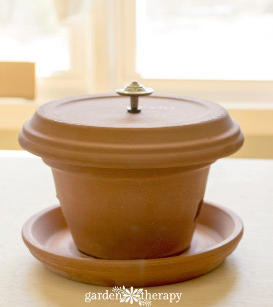 Flower Pot Bird Feeder DIY Step (7)