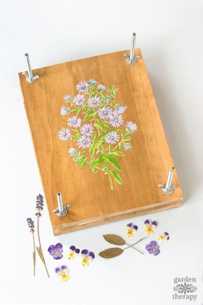 How to Make a Homemade Flower Press Step (7)