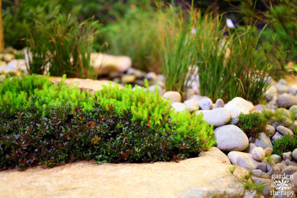 Stones and boulders in landscaping