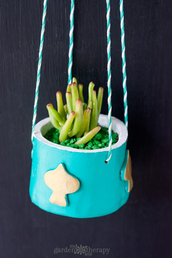 DIY Aqua Hanging Clay Planter