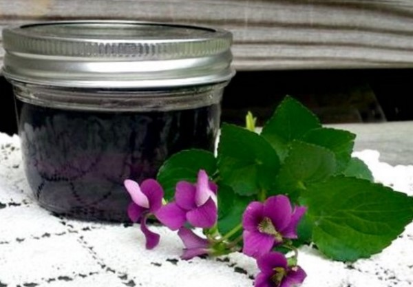 Homemade violet syrup