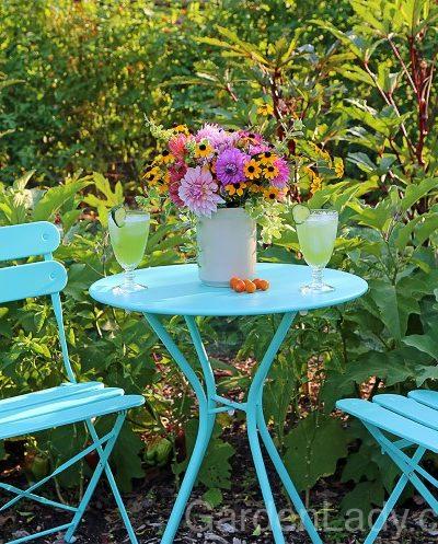 Gartending: Sweet Herbs for the Cocktail Hour Garden