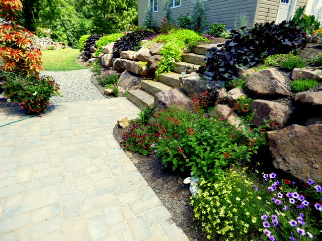 gorgeous rock wall garden tour - Wall Garden