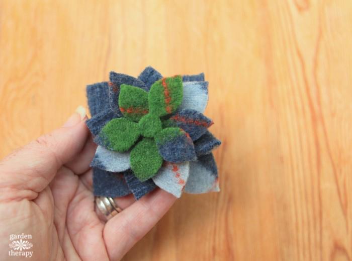 felted-succulent-wreath-diy-tutorial-step-7
