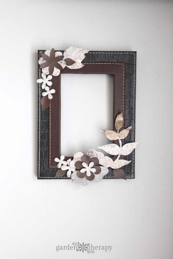 Take some inspiration from the outdoors by making a leather and birch bark picture frame that can be used and so many different ways around the house: to display photos, hang on wall as a wreath, or as a dry erase board.