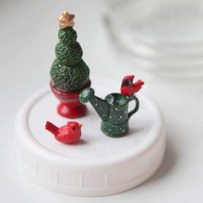 Merry Little Christmas Miniature Garden Projects & Creative Ideas